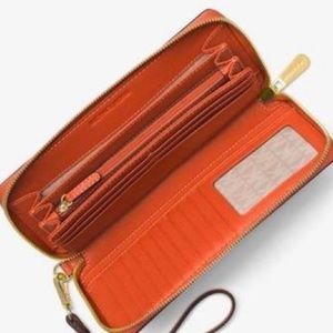 Michael Kors Bags - Michael Kors Mercer Wallet